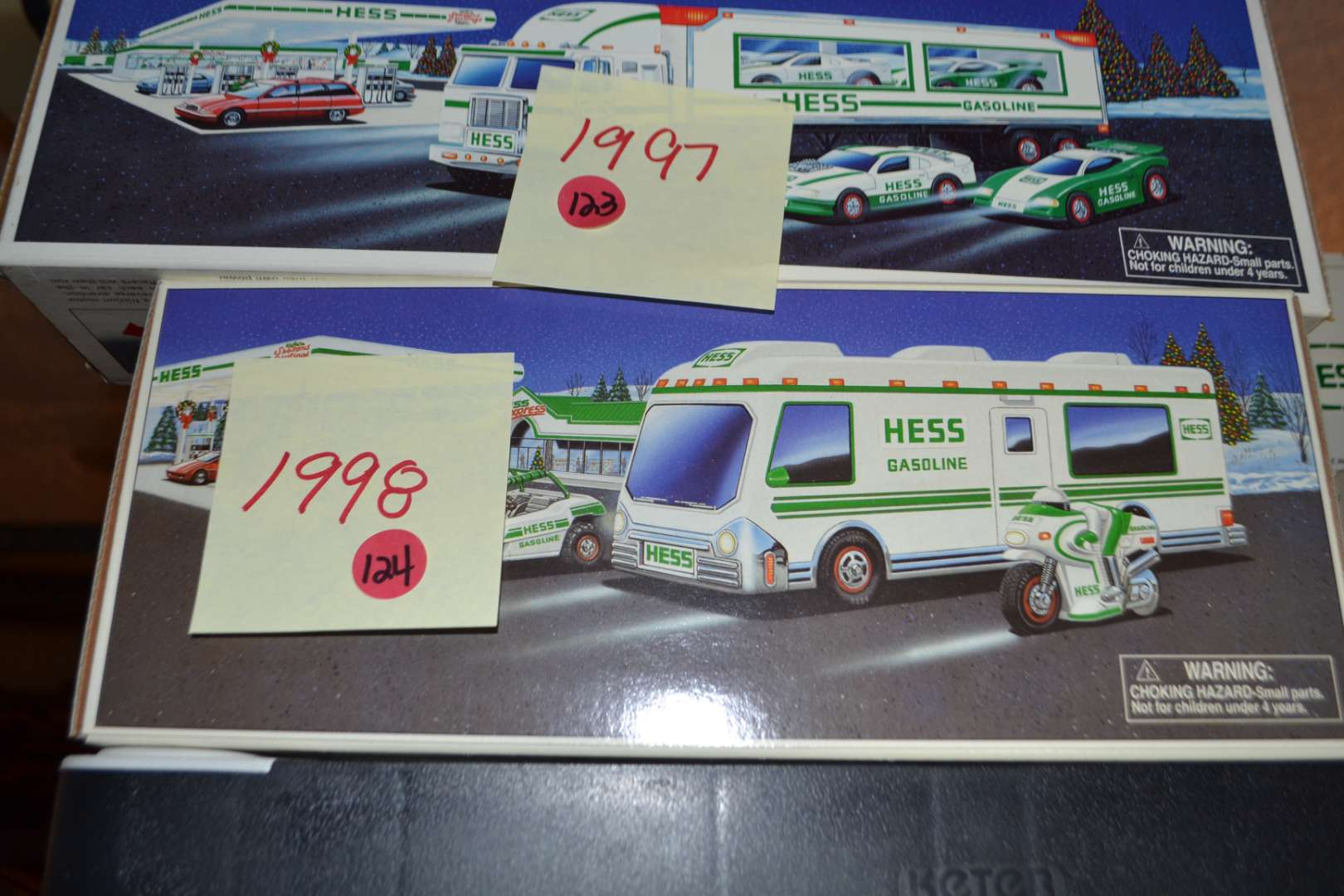 Lot # 124 HESS TRUCK 1998