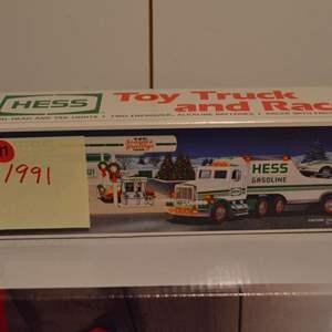 Lot # 197 HESS TRUCK 1991