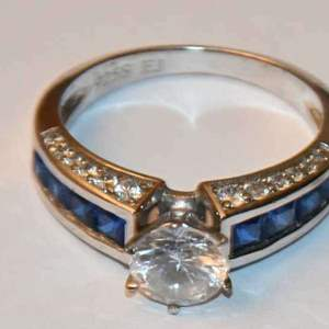 Lot # 6 Sterling silver blue sapphire white stone statement ring sz 8 4.2g