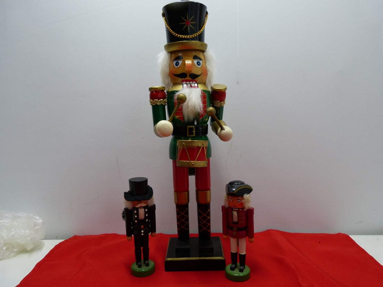 Lot # 27  3 Nutcrackers 2 miniature from Germany