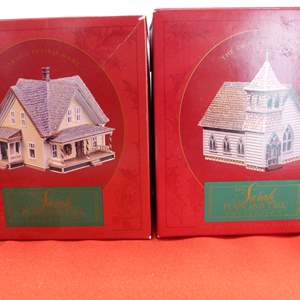 Lot # 62  2 Sara Plain and Tall Collection houses in original boxes