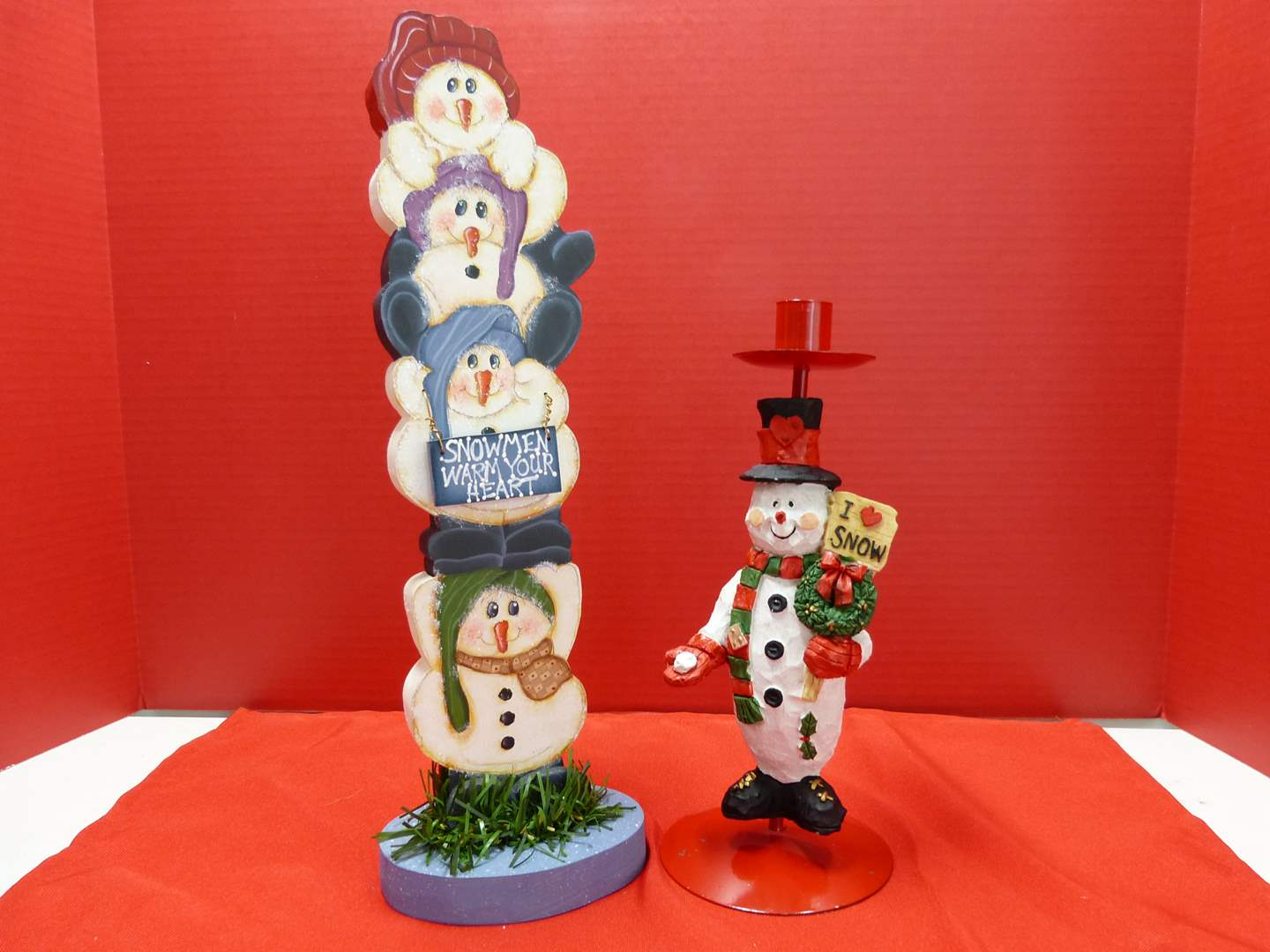 Lot # 126  2 Christmas stand up decorations