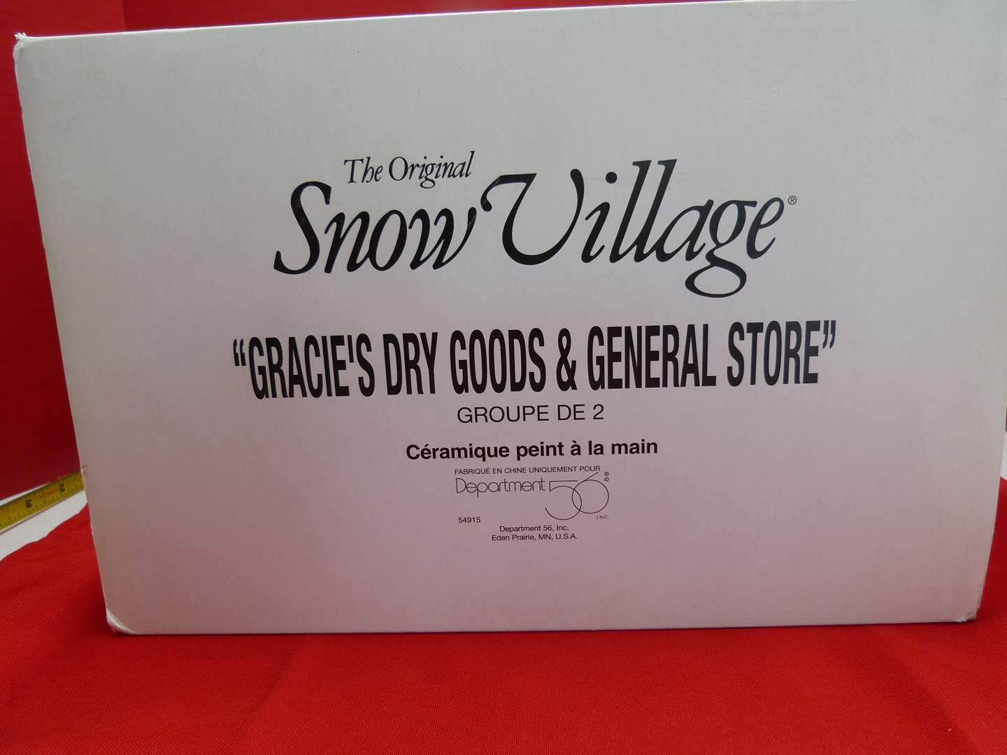 """Lot # 132  Dept 56 """"Snow Village"""" """"Gracie's Dry Goods & General Store"""" GREAT building (missing light) (main image)"""