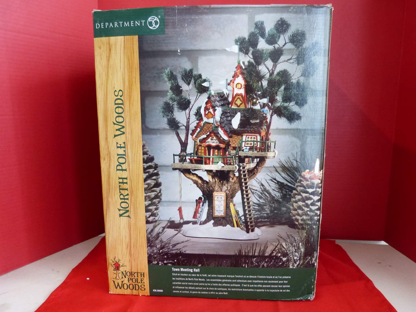 """Lot # 180  Dept 56 North Pole Woods """"Town Meeting Hall"""" tree house (VERY unique) (main image)"""