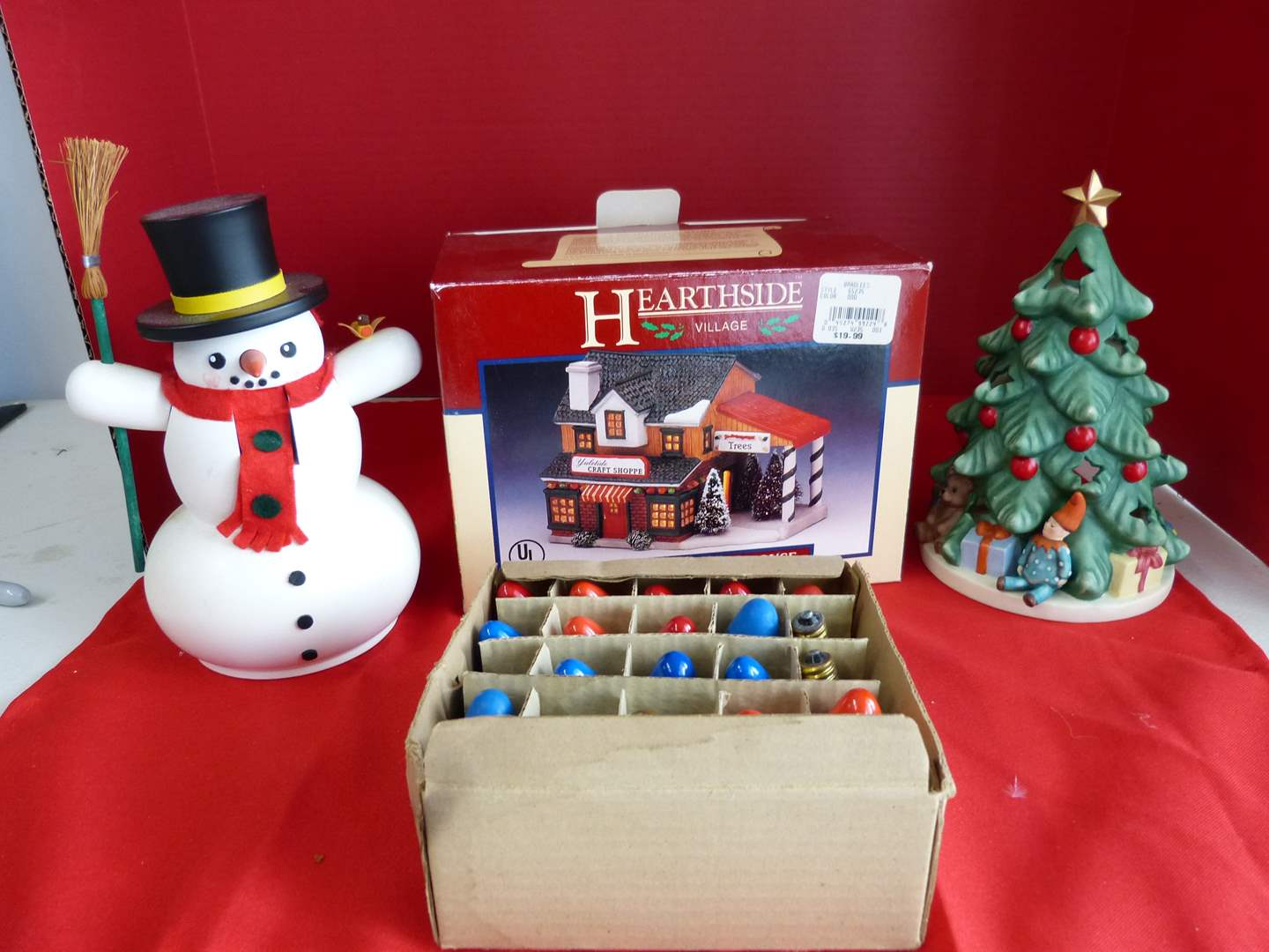 Lot # 186  Lot of holiday collectibles to include vintage lighting (untested)