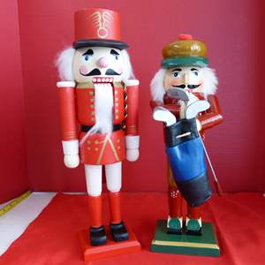 Lot # 200  2 Nutcrackers (great condition)