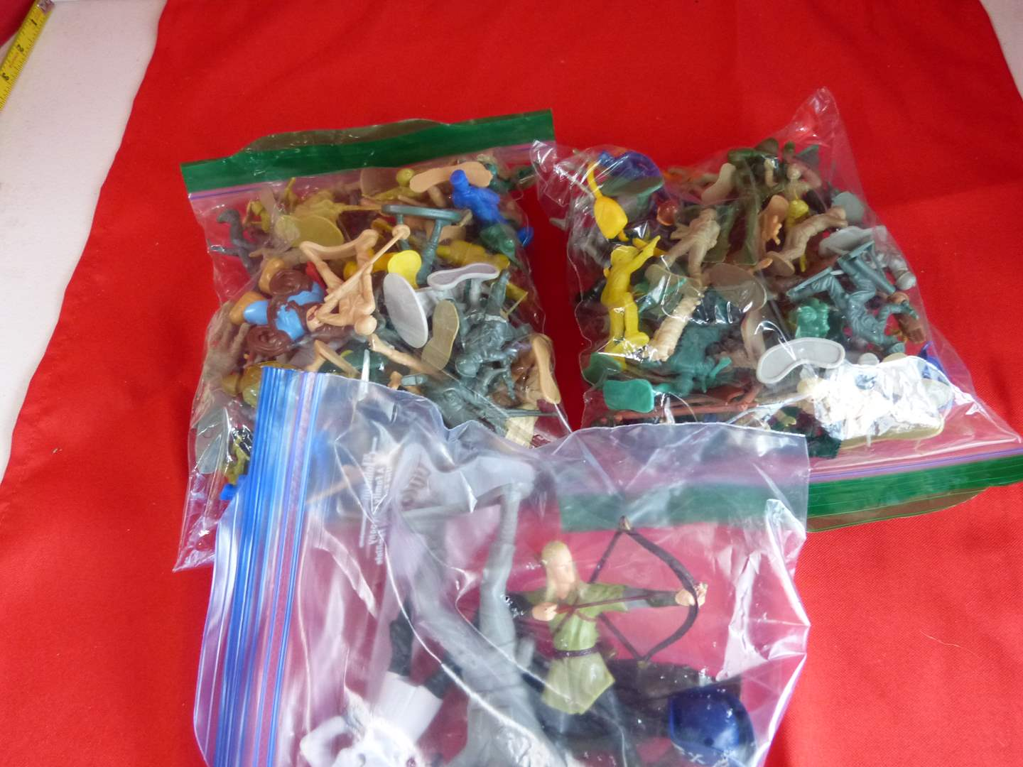 Lot # 201  Large lot of army men & action figures (main image)
