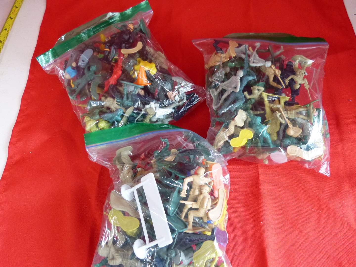 Lot # 203  Large lot of army men & action figures (main image)
