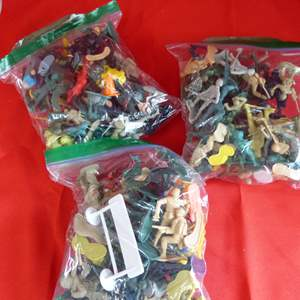 Lot # 203  Large lot of army men & action figures