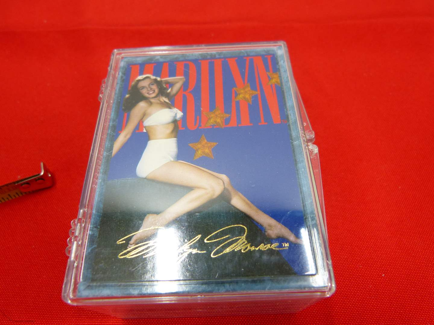 Lot # 220  Complete set of Marilyn Monroe pin-up cards  (main image)