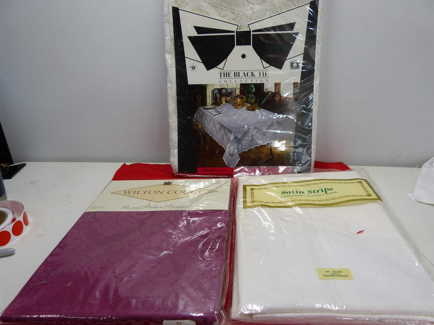 Lot # 256  3 HIGH END round table covers