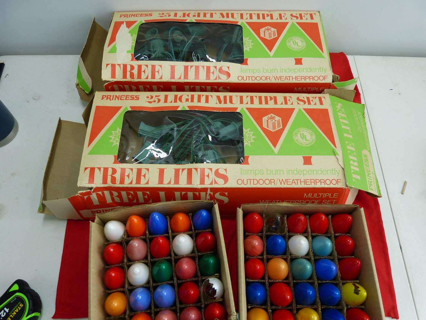 Lot # 298  Nice lot of vintage Christmas outdoor lights (untested) (main image)