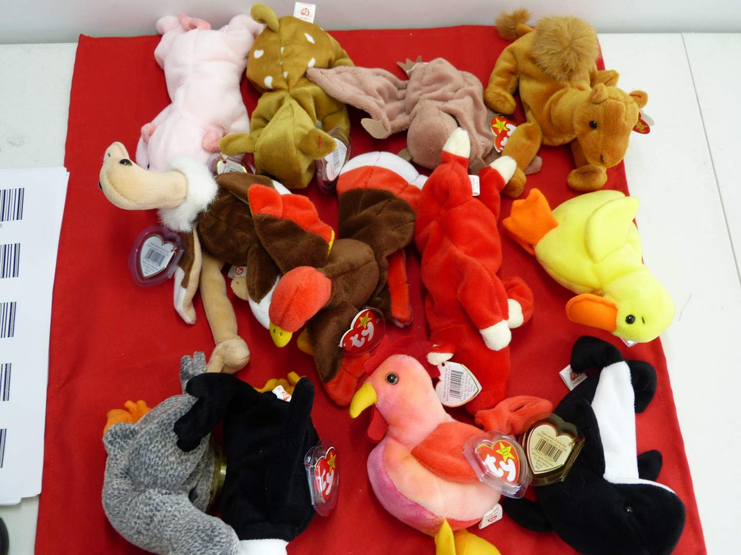 Lot # 306  Large lot of Beanie Babies  (main image)