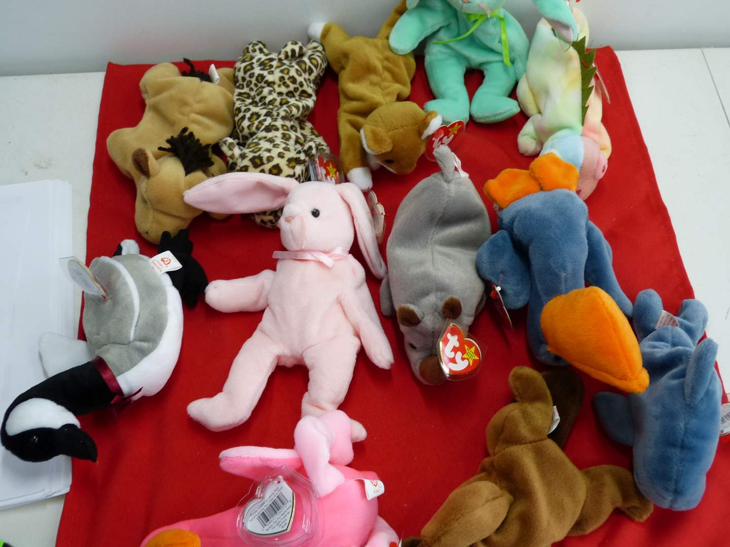 Lot # 307  Large lot of Beanie Babies  (main image)