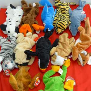 Lot # 308  Large lot of Beanie Babies