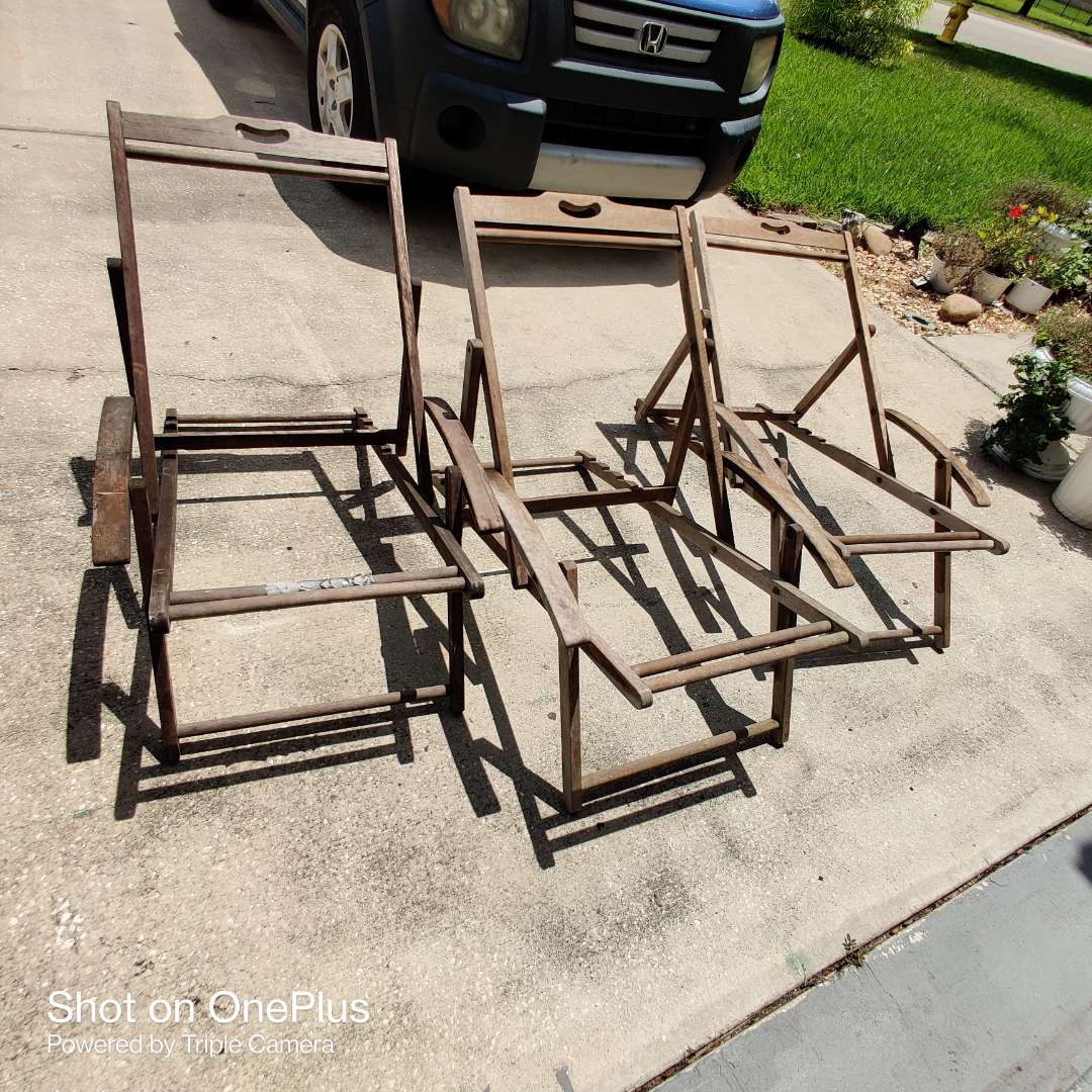 3 Mid-century Modern Folding Adjustable Wooden Canvas Beach Lounge Chairs frames some canvas
