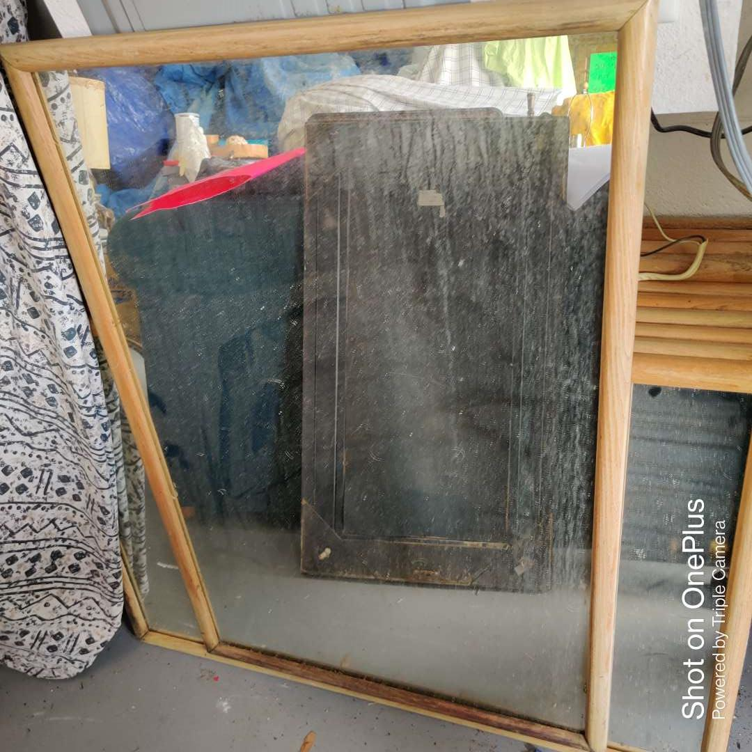 10 lot of five wood framed mirrors 25 1/2 in by 37 in