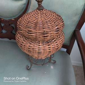 70 decorator wicker basket with metal base and lid
