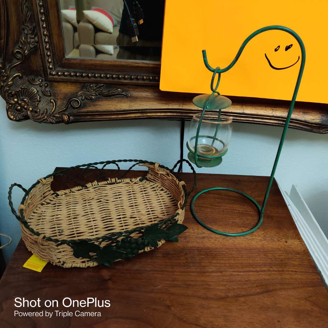 82 two pieces tray basket and candle holder
