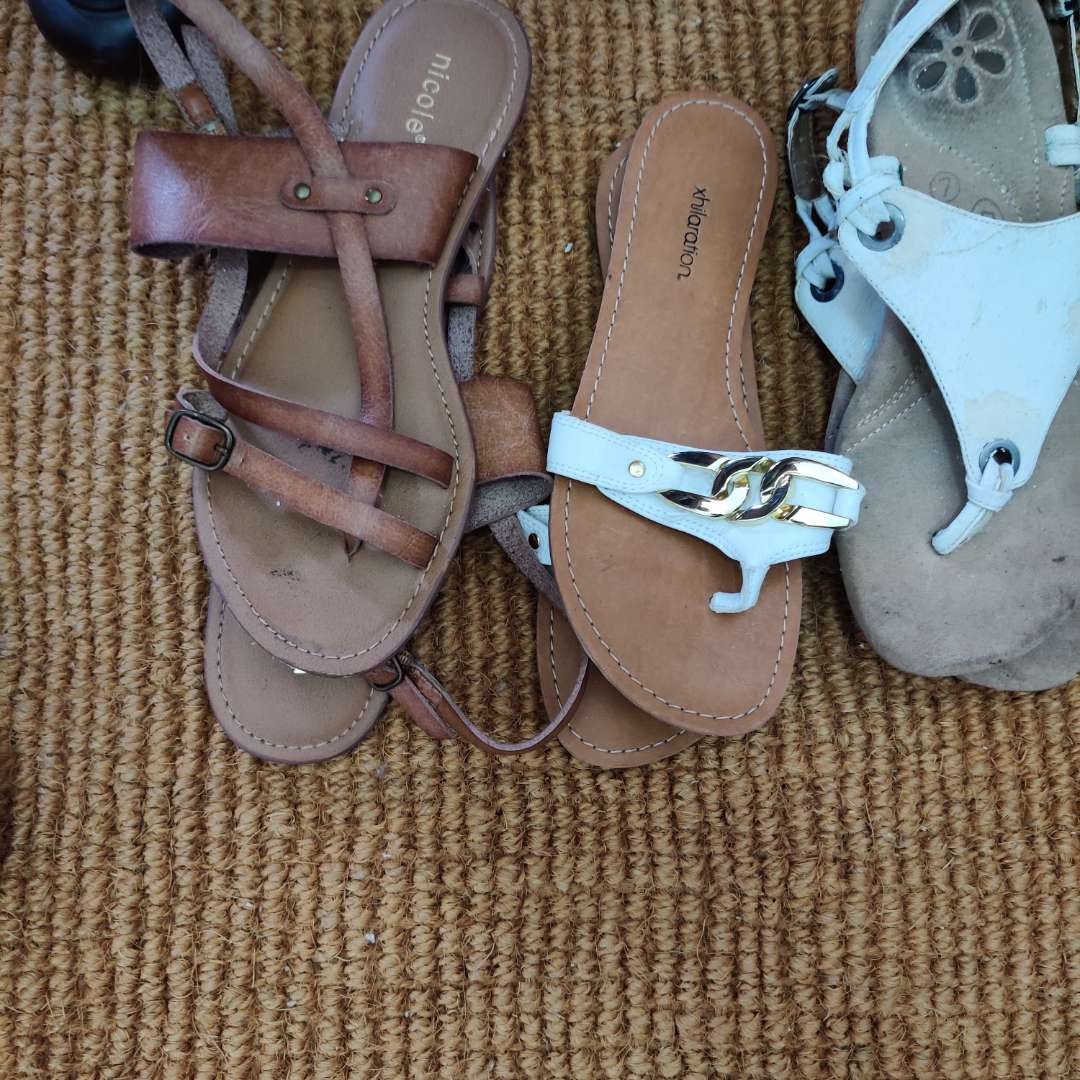 101. 4 pair of sandals size 7.5