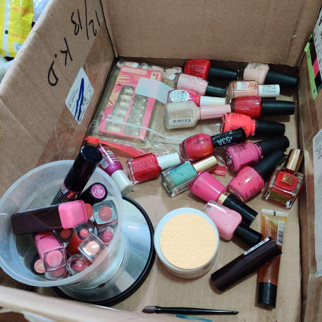 113. Lots of nail polish lipstick and lipglosses makeup