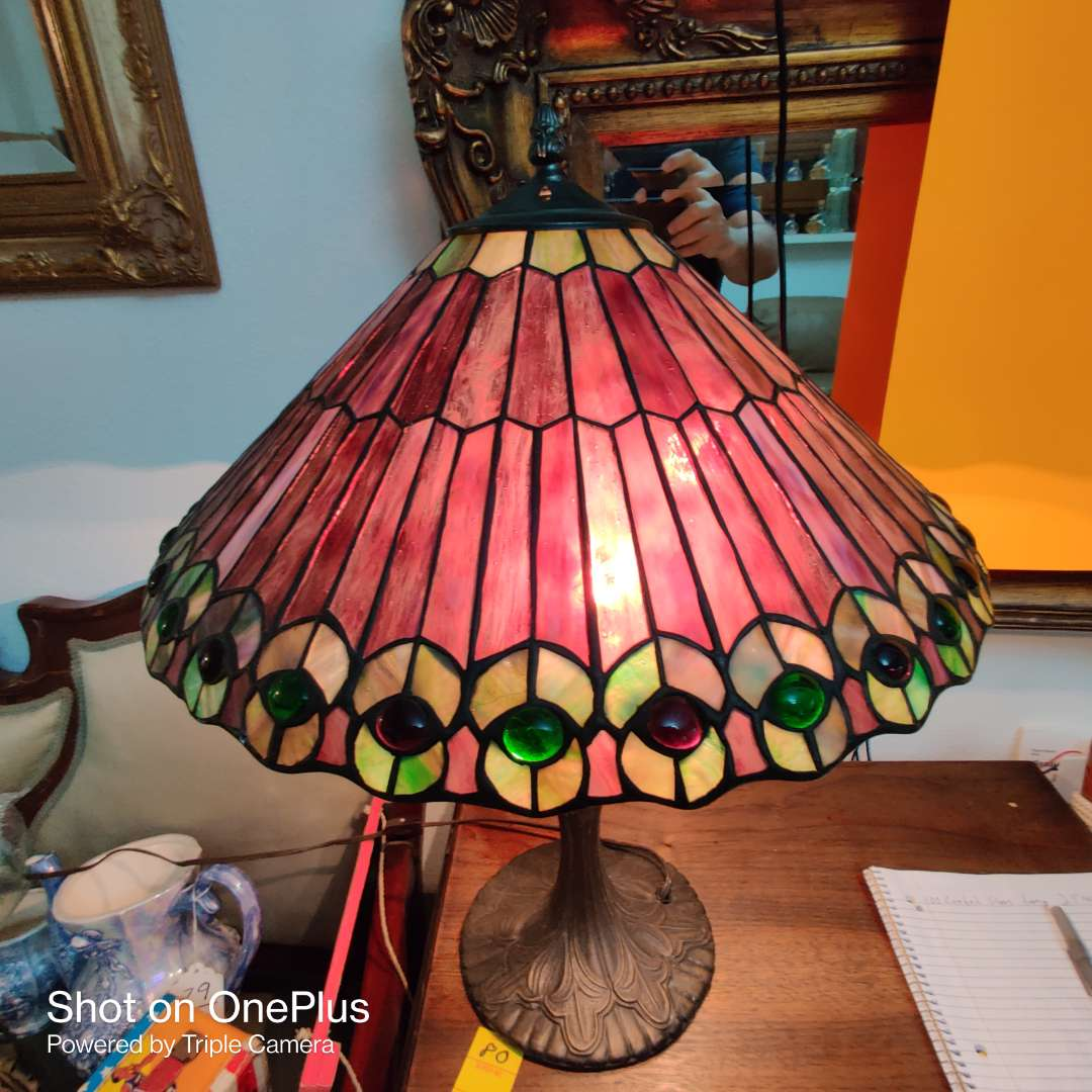 150 outstanding amethyst colored leaded glass lamp 23 in tall 17 in wide great condition