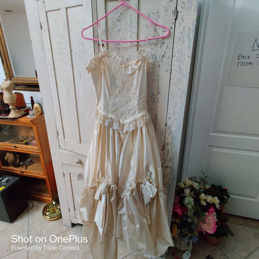 212 vintage woman's dress