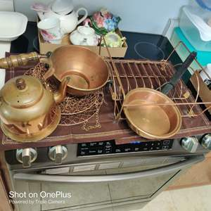 232 five pieces copper dish drainer teapot and more