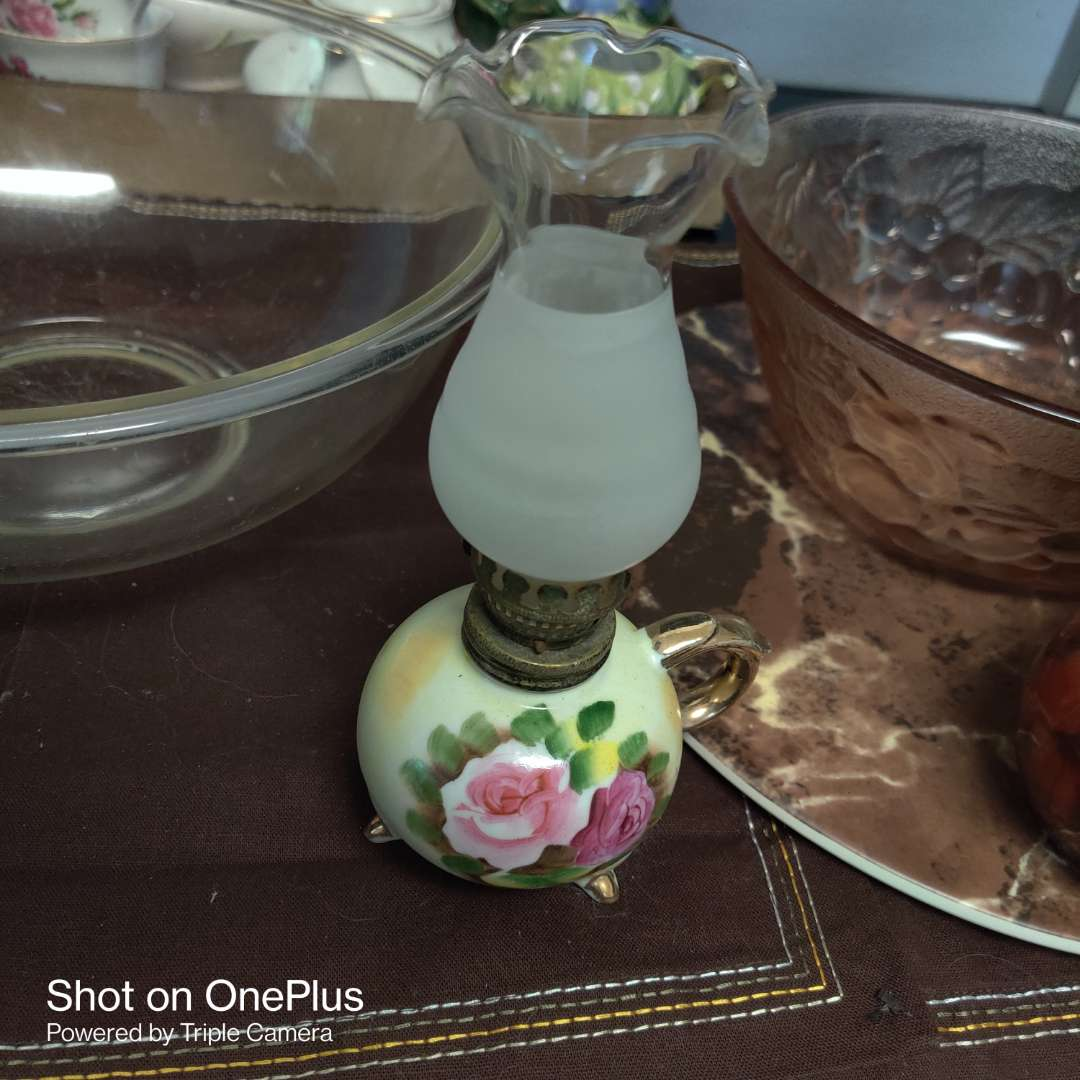 236 hand painted oil lamp small total of six pieces red pepper pink bowl with roses