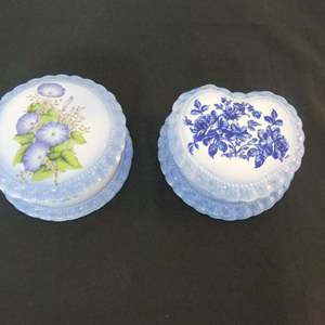 Lot #148 Vintage Ceramics by Dorene Hand Painted Round and Heart-Shaped Trinket Boxes