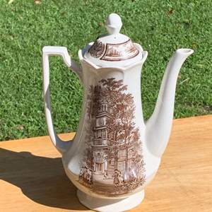 Lot # 31 Clean Vintage J & G Meakin Ironstone Historical Coffee Pot