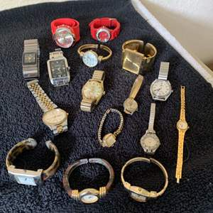Lot # 50  Large Lot Assorted Old & New Watches. Citizen, Gruen, Geneve, Etc. See Below
