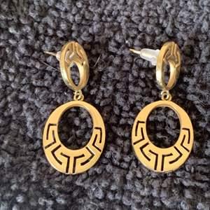 Lot # 65 Gorgeous Stamped 585(14k) Gold Dangle earrings. 4.70 Grams. See Below