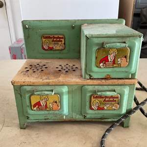 Lot # 111 Little Orphan Annie Vintage 1930's Green 3-Burner Cook Stove-Oven w/Original Power Cord!