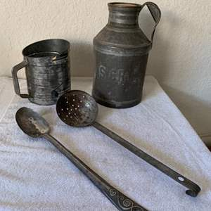 Lot # 178  Lot Vintage Tin Collectibles. Cream Can, Sifter, Scoop & Spoon