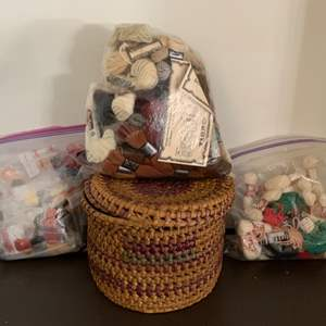 Auction Thumbnail for: Lot # 179 –  Needlepoint & Cross-Stitch Thread & Wool Skein Lot & A Really Nice Basket
