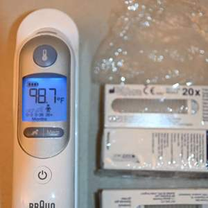 Lot # 170 BRAUN Thermoscan with probe covers
