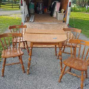 Lot #4 Dining table w/Chairs