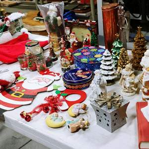 Lot # 182 Table of Great Christmas