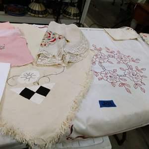Lot # 203 Antique/Vintage Linen