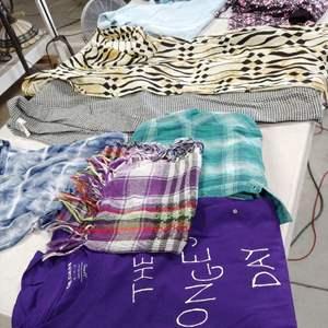 Lot # 211 Ladies Blouses