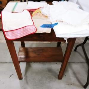Lot # 226 Oak Side Table +++