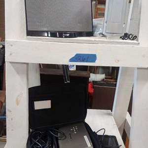 Lot # 261 Bose Speaker, Projector