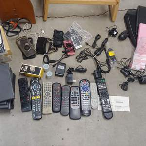Lot # 262 Cell Phones, Remotes