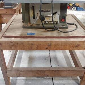 Lot # 284  Table Saw w/wood Stand