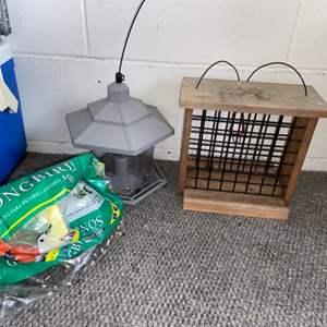 Lot # 18 Wood Suet Bird Feeder (Squirrel Proof!), Plastic Bird Feeder and Bird Seed