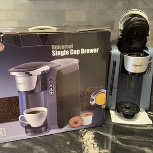 Lot # 82 Mixpresso Universal Single Cup Brewer