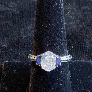 Lot # 120 Beautiful Sterling Silver Ring Sz 8 Marked 925
