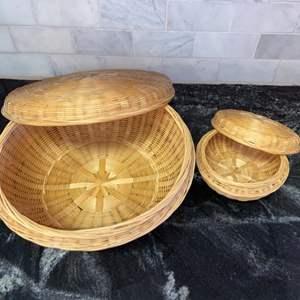 Lot # 139 Storage Baskets/Decor (2)