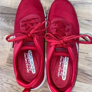 Lot # 157 Women's Sketchers Sneakers Sz 9